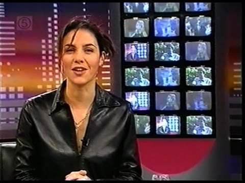 "Julia Bradbury's James Bond film review, ""Exclusive"" (1997)"