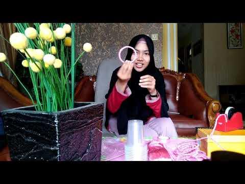 Gantungan Jilbab Dari Gelas Plastik Bekas - Siswi SMAN Pintar