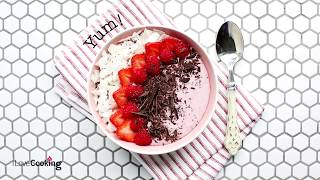 Coconut & Red Berry Smoothie Bowl