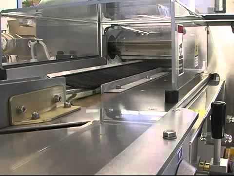 VIDEO - ambalare ciocolata flowpack DELFIN - LYRA