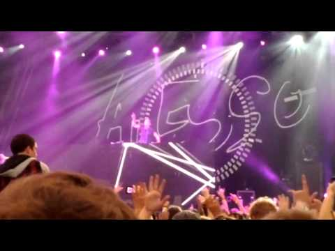 Creamfields 2012 Melbourne- Alesso = Calling [I lose my mind] (1)