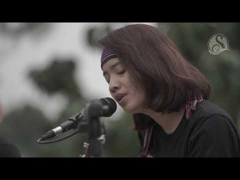 Tanah Airku - Ajeng feat. Julia (Acoustic cover)
