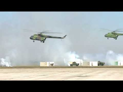 Serbët tregojnë armët, parada me armë e tanke - Top Channel Albania - News - Lajme