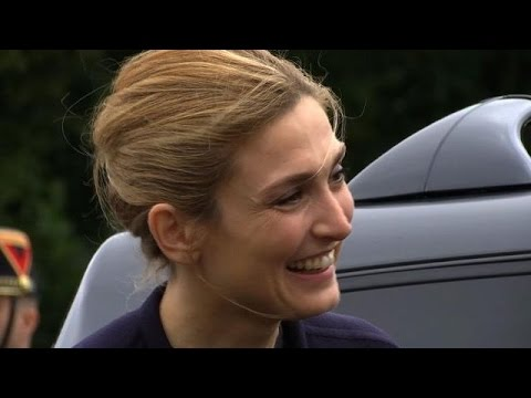 Première apparition de Julie Gayet aux côtés de Hollande
