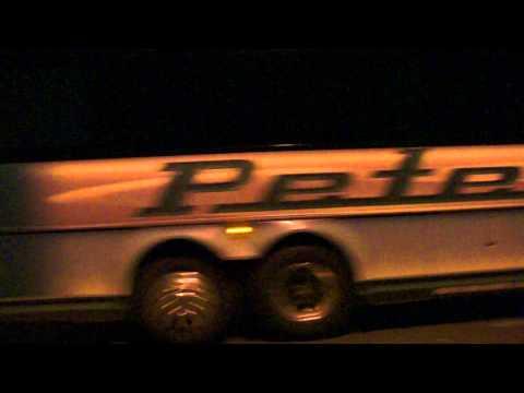 Peter Pan Bus : New York Express MCI D4505 32047 @ The 66th Street Transverse