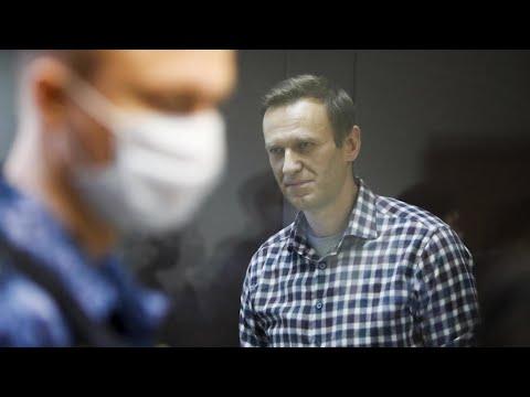 أطباء المعارض الروسي نافالني يخشون من إصابته بسكتة قلبية -في أي لحظة- بعد إضرابه عن الطعام  - نشر قبل 2 ساعة