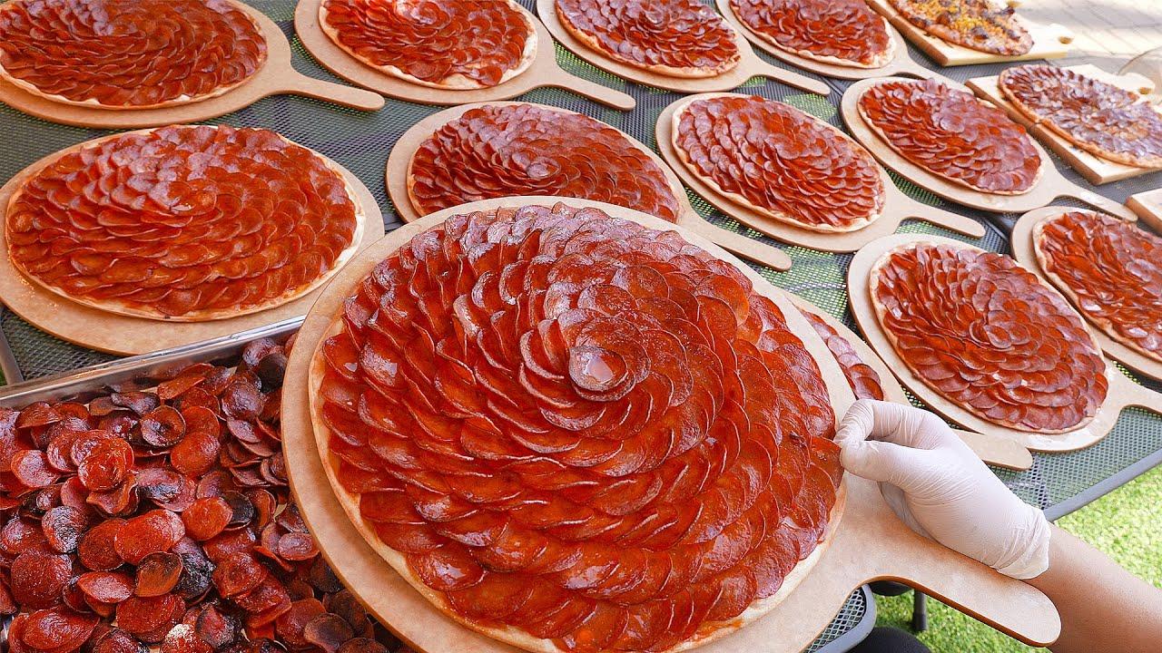 맥주집인데 피자로만 월 2000판 팔리는 피자? 소세지가 90장씩 들어가는 갑옷피자로 유명한 집┃Flower pepperoni pizza / Korean street food