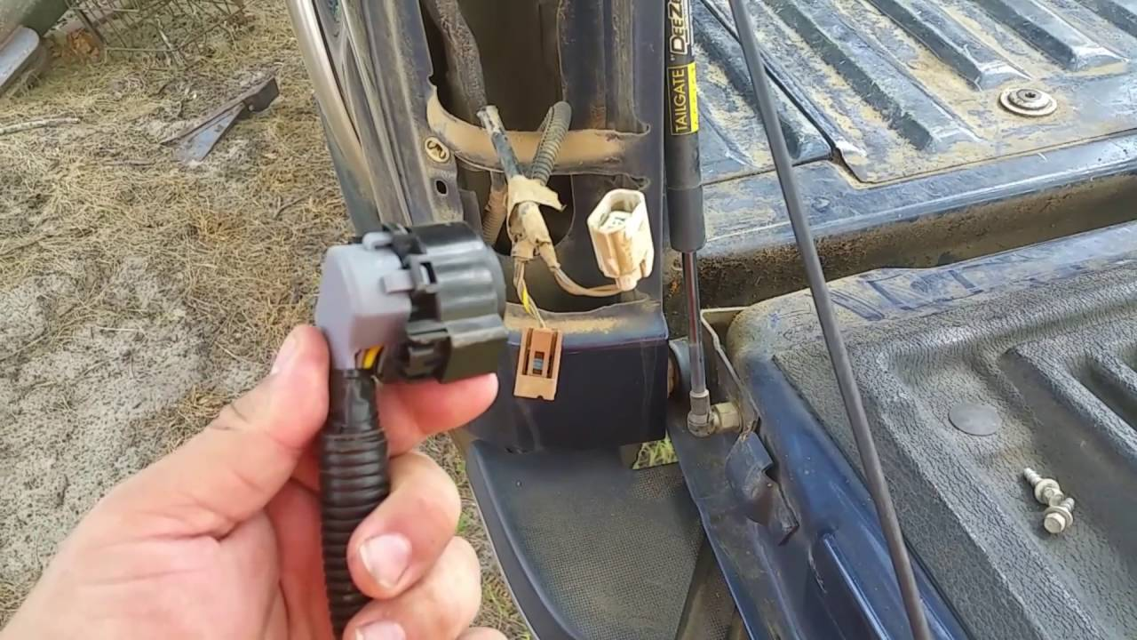 2014 Ford F350 Super Duty  In-bed Trailer Wiring