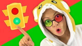 Canción sobre semáforo, aprender las reglas de tráfico | Canciones Infantiles | Lily Fresh Español