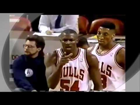Michael Jordan Feeds Horace Grant