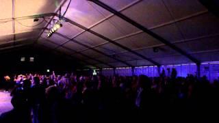 altan ovazione del pubblico a cavan per il comhaltas fleadh cheoil festival irlandese