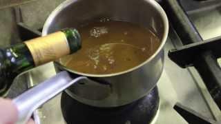 Magret de canard sauce vin rouge : Préparer une sauce vin rouge pour le canard : Épisode 3/7