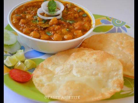 Punjabi chole bhature recipe sanjeev kapoor chekwiki yummilicious chole bhature recipe inspired by sanjeev kapoor forumfinder Gallery