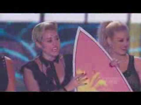 Miley Cyrus at the Teen Choice Awards 2013