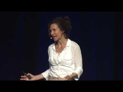 How Netflix Data Science Powers Global Entertainment | Caitlin Smallwood (Netflix)
