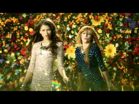 Disney Channel España | Videoclip Fashion Is My Kryptonite - Bella Thorne and Zendaya