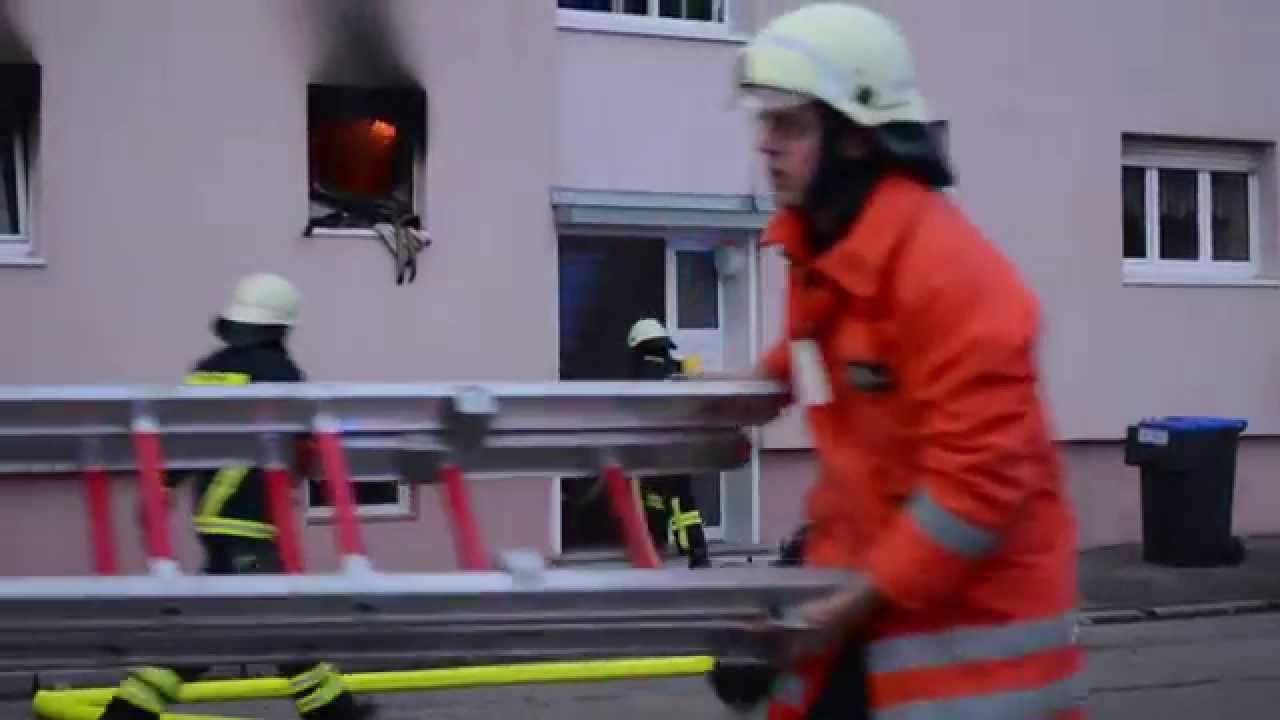 waschmaschine explodiert zwei verletzte bei wohnungsbrand youtube. Black Bedroom Furniture Sets. Home Design Ideas