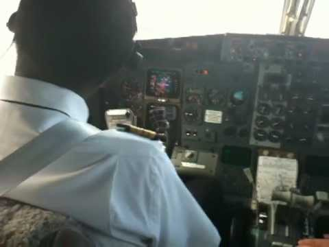 B737 300 COCKPIT VIEW LANDING ILS RWY 35 BANGUI AIRPORT AFRICA WOL/TUMAI