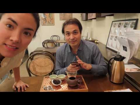 Browsing Mei Leaf Teahouse and Tasting Da Hong Pao