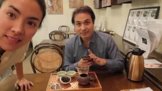 Browsing Mei Leaf Teahouse and Tasting Da Hong Pao
