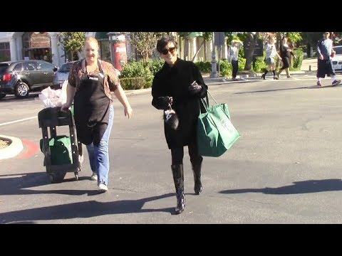 Kris Jenner Turns Away Photo Seeking Fans After Shopping Spree [2014]