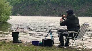 От поклёвки унесло удочку!!! Рыбалка с Ночёвкой на Фидер! Быт и полевая Кухня на реке