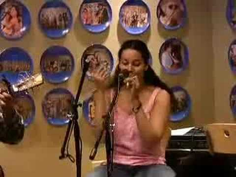 "Carolina Chocolate Drops performing ""Memphis Shakedown"""