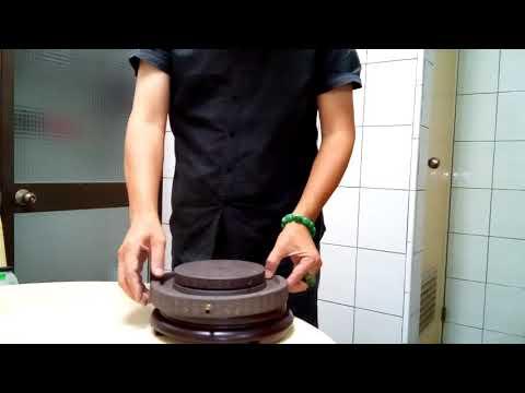 青斗石石磨造型茶盤-茶棧.尺寸:直徑寬23.5公分.高5.5公分(孔式)重量約4公斤