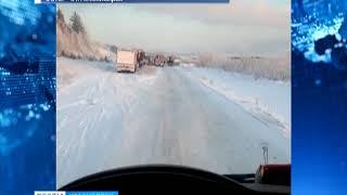 На паромной переправе Енисейск-Епишино выстроилась пробка из грузовиков