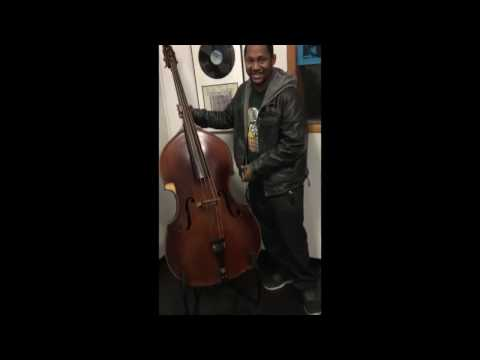 WILLIE DIXON BASS JAM at CHESS RECORDS by KISS THE SKY