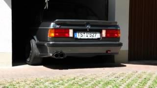 BMW E30 325i M-Technik 1 Garage Rollout