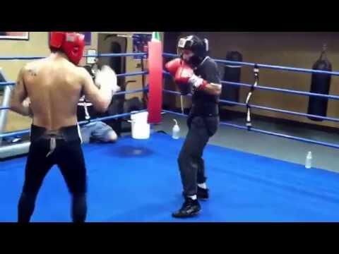 """Amateur boxer Carlos Maldonado sparring Bryan """"Tiquito"""" Vasquez."""