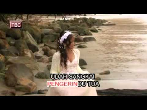Elaine - Tan Laban Penguji