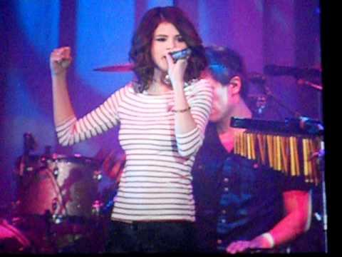 Parachute Acoustic   Selena Gomez  in Columbus 116