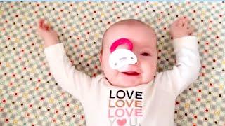 面白いパパと赤ちゃんの瞬間-面白いかわいいビデオ