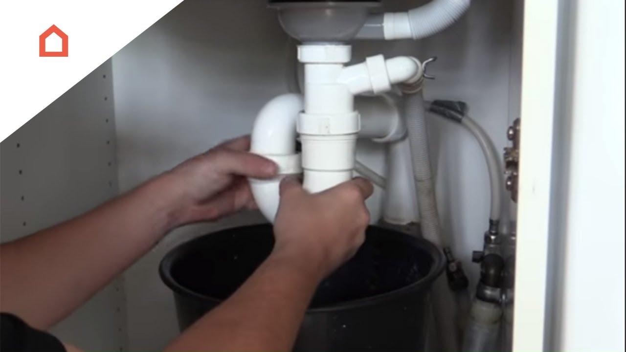 vandlås køkkenvask Sådan renser du afløbet under din køkkenvask   YouTube vandlås køkkenvask