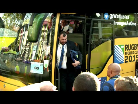 Australia arrive at Twickenham for Rugby World Cup final!