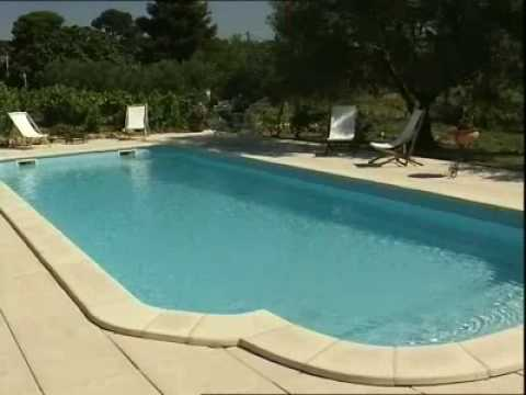 Piscine provence polyester mega pool espace youtube for Provence piscine polyester