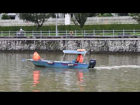 Singapore - Singapore River Trash Collector Boat (2018)