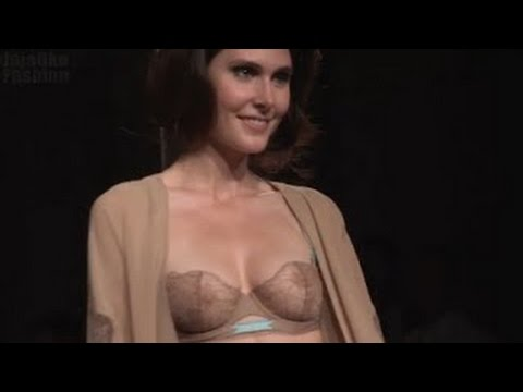 Lingerie Fashion Show LA PERLA Defile Spring Summer 2012