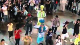 Shaan E Punjab Bhangra Flash Mob at KL Sentral.mp4