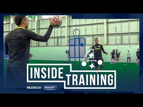 Indoor session before the Watford test |  Internal training