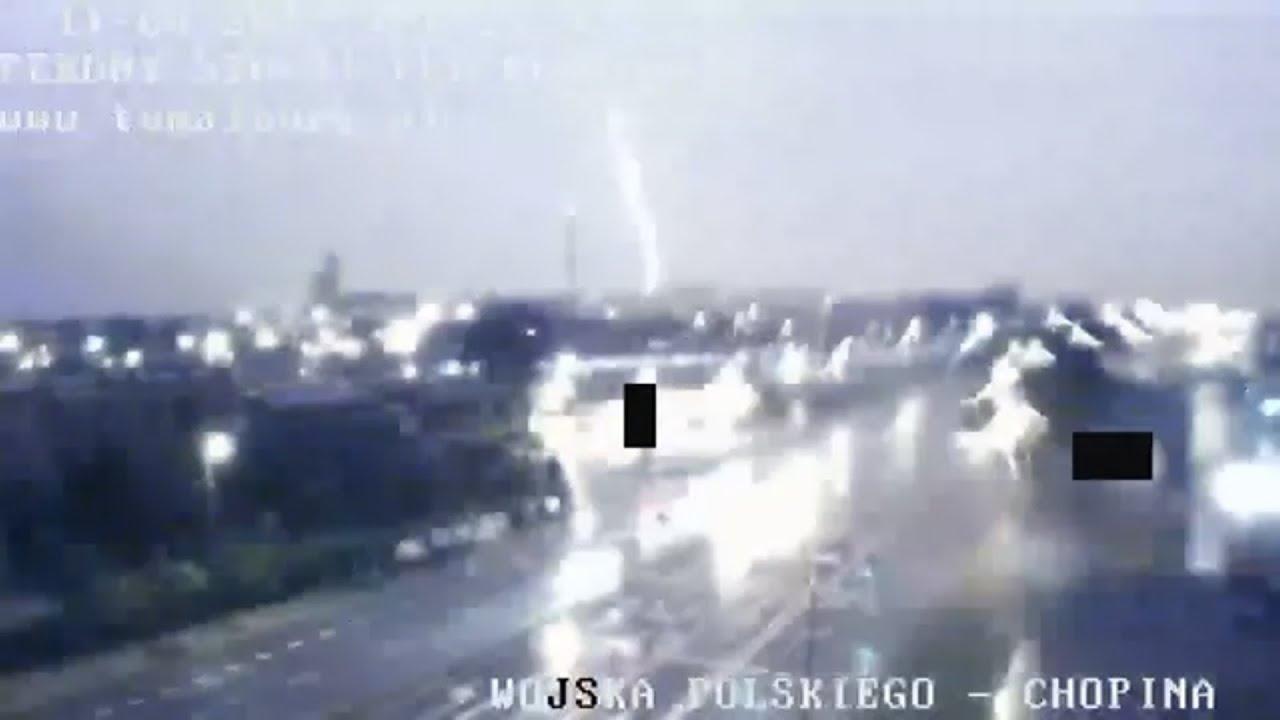 Potężna burza przeszła nad Malborkiem. Zobacz nagranie z kamer pogodowych 11/12-08.2017