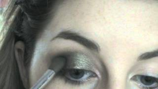 Green smokey eyes a la Eva Mendes Thumbnail