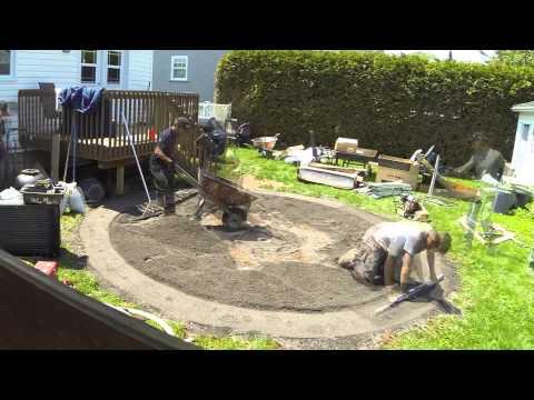Montage de la piscine doovi - Comment installer une piscine hors sol ...