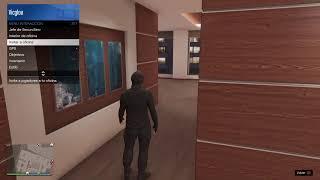 Jugando al Grand Theft Auto V.