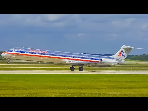 (4K) Close-Up Plane Spotting At Grand Rapids Airport