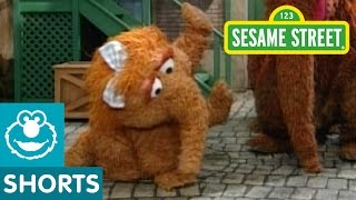 Sesame Street: Alice the Dancing Snuffleupagus