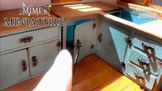 Miniature- Kitchen cabinet