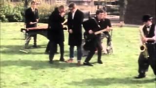 Madness - Baggy Trousers (Subtítulos Español)